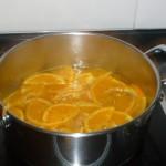 confitar las rodajas de naranja
